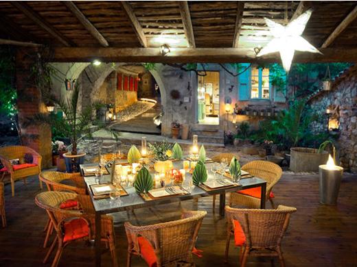 Chambres d'hôtes de charme , La Vieille Maison - Halte Gourmande, durfort et saint martin de sossenac 30170