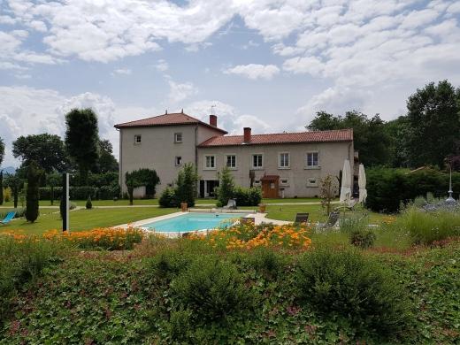 Chambres d'hôtes de charme , La Buissonnière, saint vincent 43800