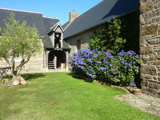 Chambres d'hôtes de charme , Manoir de l'Isle, ploumilliau 22300