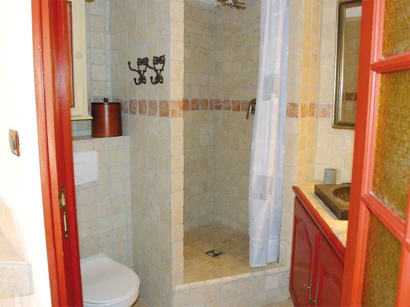 Chambres d'hôtes Buchet-Lecocq caumont sur durance 84510 N° 2
