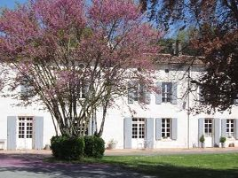 Chambres d'hôtes de charme , Le Clos de la Garenne, puyravault 17700