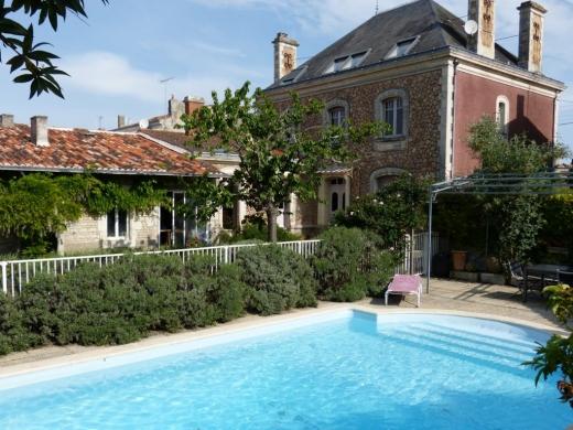 Chambres d'hôtes de charme , La Villa des Roses, lucon 85400