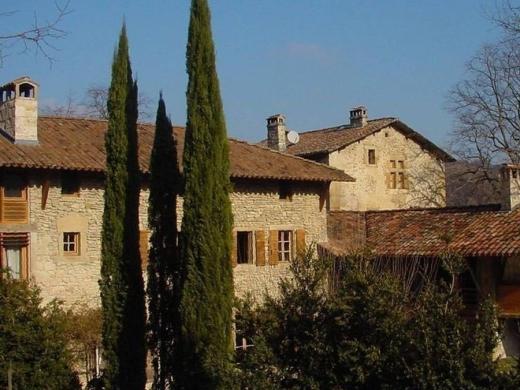 Chambres d'hôtes de charme , Maison forte de Clérivaux, chatillon saint jean 26750